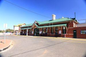 Bacchus Marsh station - RailGallery